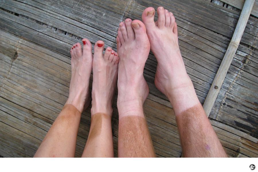 Mit Socken am Strand gewesen